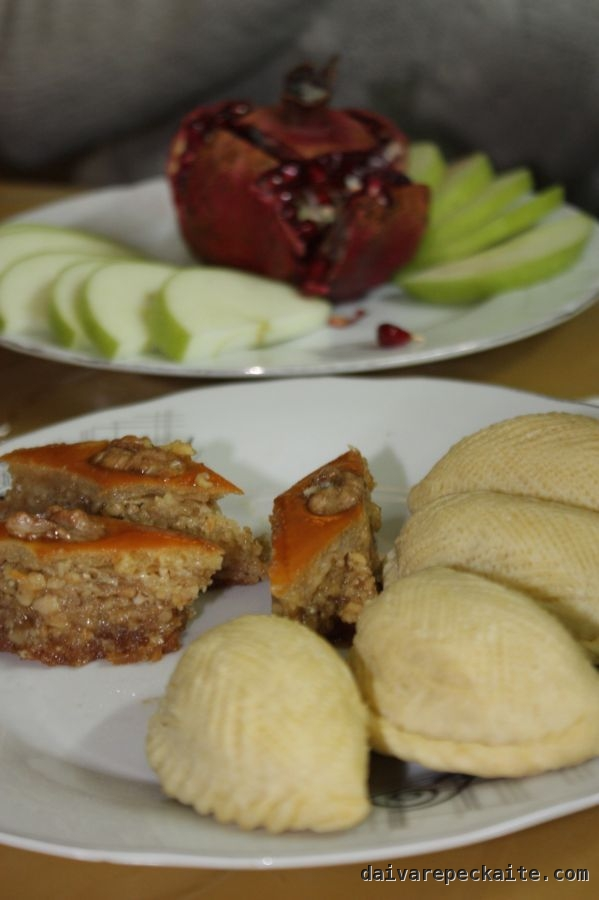 Fruit and Novruz pastries